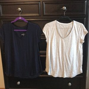 2 loft T-shirts